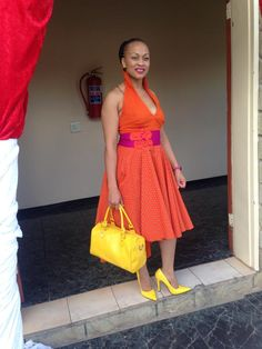 yellow n orange shoeshoe African Attire, African Wear, African Dress, African Clothes, Traditional Wedding Dresses, Traditional Outfits, African Print Fashion, African Design, Royal Fashion