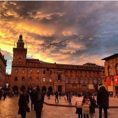 Bologna, Piazza Maggiore foto di @karinastellina