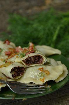 Pierogi z kaszanką Polish Recipes, Polish Food, Exotic Food, Tortellini, Antipasto, Dumplings, Ravioli, Good Food, Food And Drink