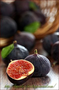 I love figs Vegetables Photography, Fruit Photography, Food Photography Styling, Peach Fruit, Fruit Jam, Fruit And Veg, Fresh Figs, Fresh Fruit, Fresco