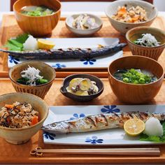 いいね!4,783件、コメント54件 ― namiさん(@namikan19)のInstagramアカウント: 「2015/10/27 火 #晩ごはん ・ ✳︎秋刀魚の塩焼き ✳︎ほうれん草の胡麻和え しらすのせ ✳︎さつまいものサラダ ✳︎あさりとひじきの炊き込みごはん ✳︎大根のお味噌汁 ・…」