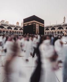 The Beauty of Islam: Photo Mecca Madinah, Mecca Masjid, Islamic Wallpaper Hd, Mecca Wallpaper, Mekka Islam, Muslim Images, Muslim Culture, Mekkah, Coran Islam