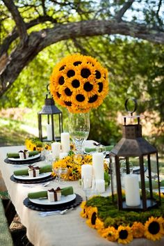 A sunny, sunflower table scape