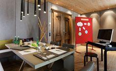 Exklusive Tagungen im Bergland Hotel Sölden Design Hotel, Superior Hotel, Snow Skiing, Modern, Conference Room, Table, Furniture, Home Decor, Cosy Room