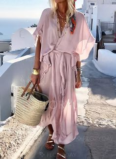 Solid Wrap V-Neckline Maxi Shift Dress solid dress V-neckline maxi dress shift dress vacation style outlook of the day summer in Look Boho, Look Chic, Look Fashion, Fashion Outfits, Womens Fashion, Dress Fashion, Fast Fashion, Fashion Trends, Grunge Fashion