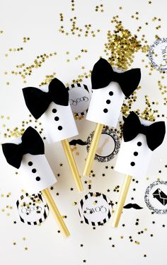 DIY Tuxedo Confetti Poppers for a #BlackandWhiteWedding or other celebration