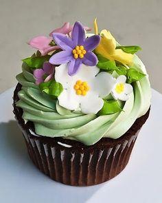 Spring Bouquet cupcake