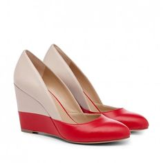 I love this cool interpretation of color-blocking on these pumps.