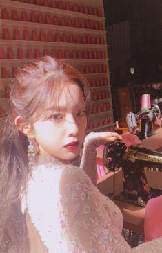 """Irene-Redvelvet """"The ReVe Festival Finale"""" Scans Seulgi, Red Velvet アイリーン, Red Velvet Irene, Kpop Girl Groups, Korean Girl Groups, Kpop Girls, Red Velet, K Idols, Swagg"""