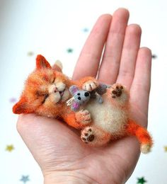 Felted cat: