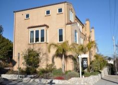 Beach Hill executive townhouse