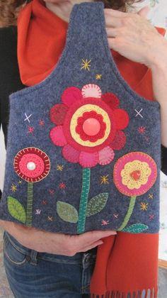 SALE Felted Wool Tote Bag in Denim Blue Retro di LadyRobinsNest