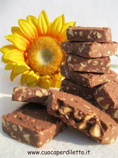 Fettine al cioccolato e nocciole (gluten free) - Cuoca per Diletto Biscotti, Bourbon, Meat, Ethnic Recipes, Desserts, Free, Bourbon Whiskey, Tailgate Desserts, Deserts