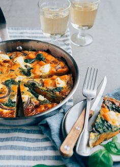 Sweet potato tortilla with spinach - From Pauline& Keuken - Sweet potato tortilla with spinach – From Pauline& Keuken - Cooking Wine, Fun Cooking, Cooking Supplies, Backpacking Food, Cooking Equipment, Tortilla, Healthy Side Dishes, Sweet Potato Recipes, Easy Meals