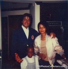 Michael Jackson, Yashi Brown, and Rebbie Jackson.