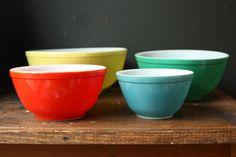 Vintage Mixing Bowl Set  / Pyrex Primary Colors.