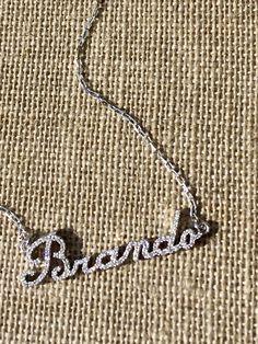 Catenina personalizzata oro e diamanti #patriciapapenbergjewelry #wordsindiamonds #diamondsareforever #yourname