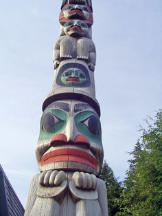 Native American Totem Poles in Alaska - Alaska Tours