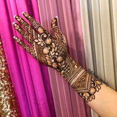 35 Fresh & Pretty Lotus Mehndi Designs for Hands & Feet to Save RN