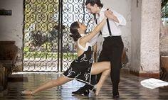 Groupon - Uno o 3 mesi di lezioni di kizomba, da 60 minuti ciascuna, al centro Show Dance Academy (sconto fino a 82%) a Prato. Prezzo Groupon: €12,90