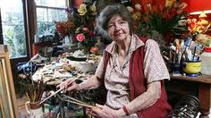 Painter Margaret Olley poses for a portrait session in her studio in Paddington on November 2005 in Sydney, Australia. Margaret Olley was one of Australia's most well known interior and still life painters. Australian Painting, Australian Artists, Mary Cassatt, Famous Artists, Great Artists, Artist Art, Artist At Work, Matisse, Dream Studio