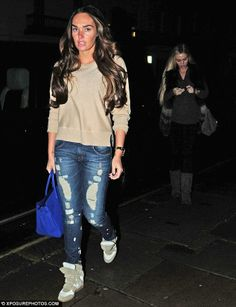 b88a19e8806c Ano0ther day another shopping trip  Tamara and Petra Ecclestone yet again  partook in their routine