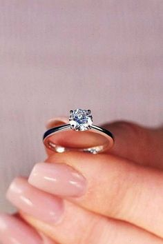 24 Beautiful Engagement Rings For A Perfect Proposal beautiful engagement rings solitaire diamond simple white gold More on the blog: #engagementrings