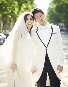Lee Bo Young and Ji Sung are 2013's power couple