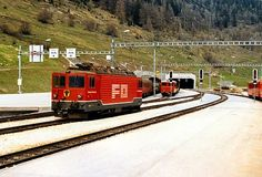 Ge 4/4 82 (Foto: Christian Wiedhofer) Swiss Railways, Locomotive, Beautiful Images, Christian, Photo Illustration, Christians, Locs