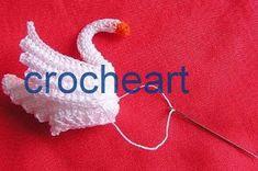 passo a passo toalha lago dos cisne de crochê     Esta toalha representa um lago com cisnes e vitoria regia todos feito  em crochê e com e...