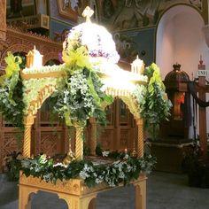 Floral Decorations, Table Decorations, Orthodox Easter, My Flower, Flowers, Flower Arrangements, Catholic, Floral Design, Greek