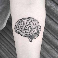 Squidgy brain tattoo by Lozzy Bones Dream Tattoos, Body Art Tattoos, New Tattoos, Small Tattoos, Tatoos, Sternum Tattoo, Chest Tattoo, Psychology Tattoo, Tattoo Grafik