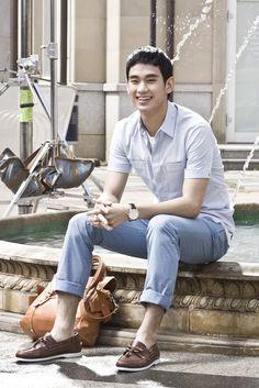baby blue shirt x blue pants :: Kim Soo Hyun