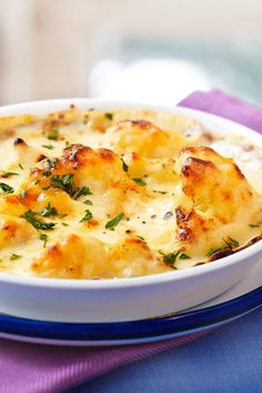 Blumenkohl-Gratin ist eine tolle als Beilage und besonders toll bei Fleisc. Cauliflower gratin is a great one as a side dish and especia. Yummy Chicken Recipes, Sauce Recipes, Meat Recipes, Easy Dinner Recipes, Mexican Food Recipes, Appetizer Recipes, Crockpot Recipes, Easy Meals, Ethnic Recipes