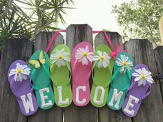 JDC flip flop summer weather You are in the right place about diy garden decor dollar stores creativ Crafts To Make, Fun Crafts, Arts And Crafts, Etsy Crafts, Creative Crafts, Creative Art, Creative Ideas, Beach Crafts, Summer Crafts