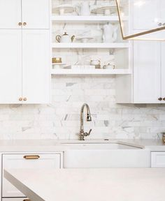 Have ever told you how much I love my faucet? I opted for function over finish and went for the best faucet I could find. The Artifacts faucet with the Berry Soft Spray from Kohler is a dream 👌 Farmhouse Bowls, Modern Farmhouse, Best Faucet, Butcher Block Countertops, Trends, Florida Home, Updated Kitchen, Big Houses, Beautiful Kitchens