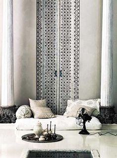 Moroccan interiors. Inspite of being known for their rich colours their style of design looks stunning and elegant in white as well.