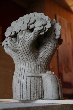 Anne-Sophie Gilloen: sculpture / étape séchage Ceramic Houses, Ceramic Clay, Porcelain Ceramics, Ceramic Pottery, Sculptures Céramiques, Tree Sculpture, Sculpture Ideas, Garden Sculpture, Creta