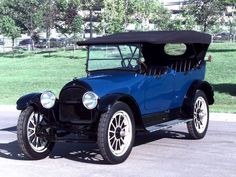 Willys Knight Touring 1917