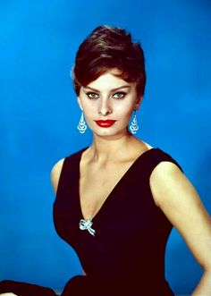 Red lipstick plus sparkling bling will brighten the day. Happy Monday! Channel your inner Sophia Loren
