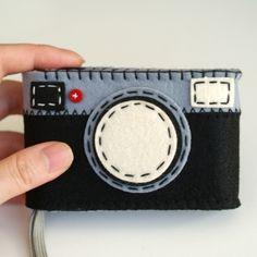 フェルトのカメラケース