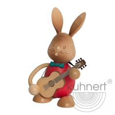 Stupsi Hase mit Gitarre Bunny, Christmas Ornaments, Holiday Decor, Home Decor, Turning, Animaux, Easter Bunny, Guitar, Easter Activities