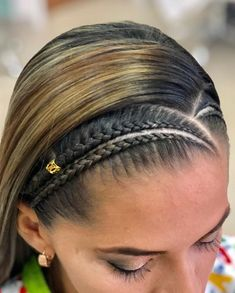 Una o varias personas y primer plano trenzas cabello suelto en 2019 прич Girl Hairstyles, Braided Hairstyles, Black Hairstyles, Curly Hair Styles, Natural Hair Styles, Braids For Short Hair, Box Braids, Braid Styles, Hair Dos