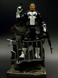 Marvel Legends Series 4 Punisher // Pinned by: Marvelicious Toys - The Marvel Universe Toy & Collectibles Podcast [ m a r v e l i c i o u s t o y s . c o m ]