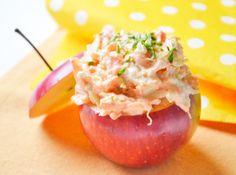 Der Karottenaufstrich mit Apfel schmeckt köstlich auf Vollkornbrot. Dieses Rezept sollte auf keinem Partybuffet fehlen.