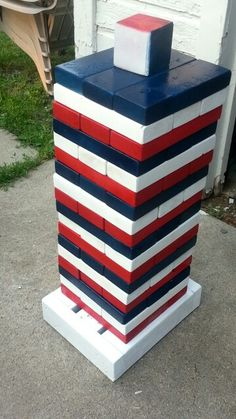 Patriotic Yard Jenga with jumbo dice! You pull what you roll! An awesome DIY yard game great for barbecues! Created by the Schochenmaiers! - All About Garden Diy Giant Yard Games, Backyard Games, Lawn Games, Backyard Ideas, Cool Diy Projects, Wood Projects, Woodworking Projects, Woodworking Furniture, Jenga Diy