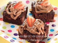 SJOKOLADE KOEKE Chocolate Fruit Cake, Flan Cake, Delicious Desserts, Yummy Food, South African Recipes, Food Inspiration, Sweet Treats, Recipies, Kos