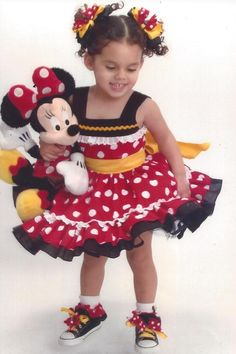 Minnie Mouse Dress by cadizboutique on Etsy Disfraz Minnie Mouse, Minnie Mouse Costume, Minnie Mouse Party, Frocks For Girls, Tutus For Girls, Little Girl Dresses, Tutu Outfits, Cowgirl Outfits, Kids Outfits