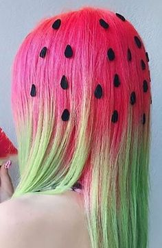 20 Crazy Hair Day Ideas for Girls in 2020 - The Trend Spotter Crazy Hair Day Girls, Crazy Hair For Kids, Crazy Hair Day At School, Crazy Hair Days, Girl Short Hair, Medium Hair Styles, Short Hair Styles, Wacky Hair Days, Rainbow Hair