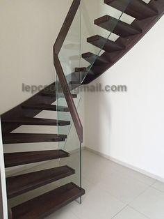 Lépcső, falépcső, lépcsőtervezés, lépcső számítás - Képgaléria - 0. Modern lépcsők Wood Railings For Stairs, Modern Railing, Tile Stairs, Stair Railing, Stair Kits, Bunk Beds With Stairs, Stair Nosing, Aesthetic Value, Carpet Tiles